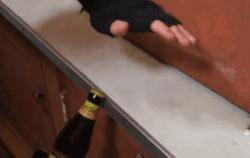 【生活智慧王】酒鬼必睇 7種免開瓶器開酒方法